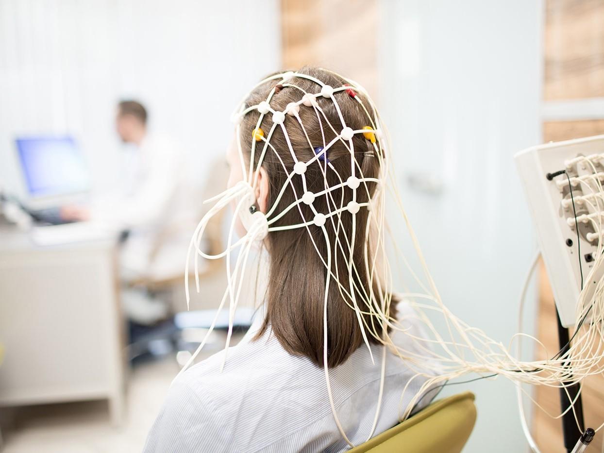 Woman doing neurofeedback